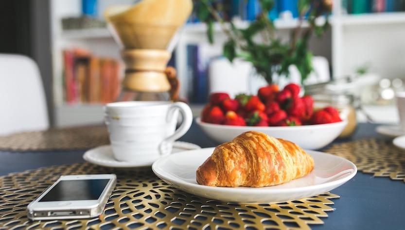 fare colazione