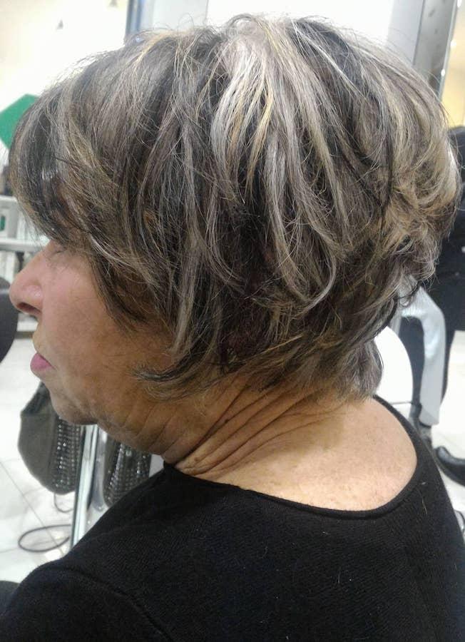 Smettere di tingersi i capelli bianchi  sì o no  2f448d3717e2
