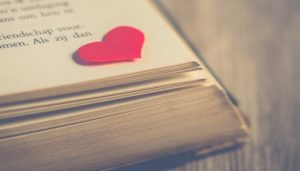Cuore su libro